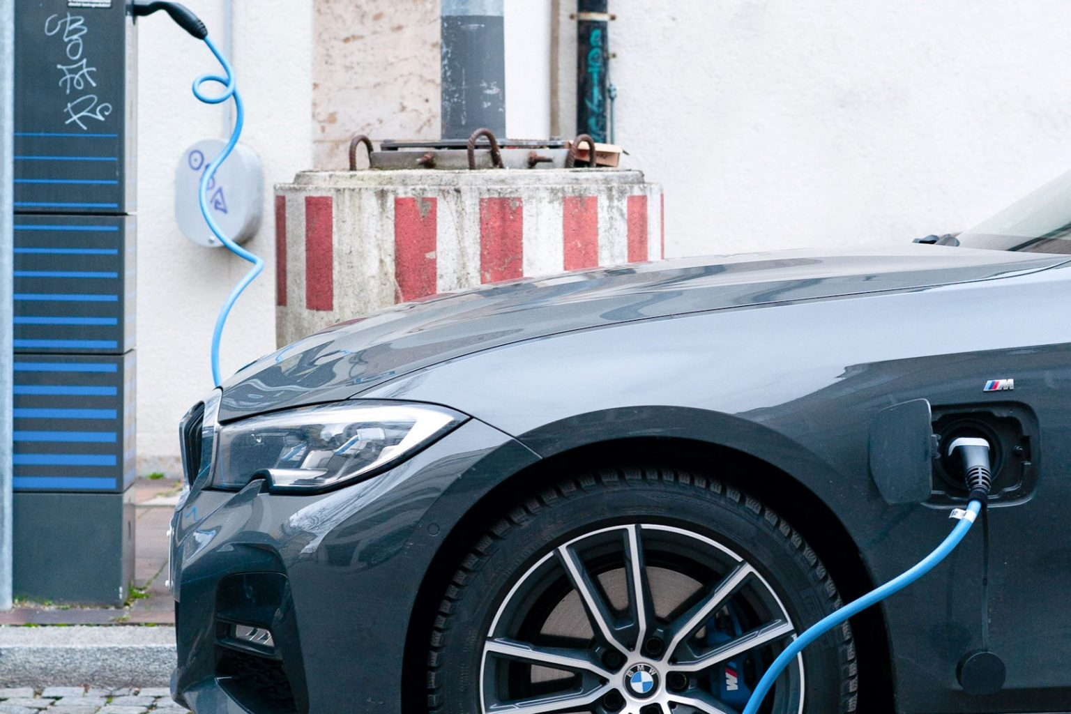 microngroup-BMW-charging-electric-vehicle-charger