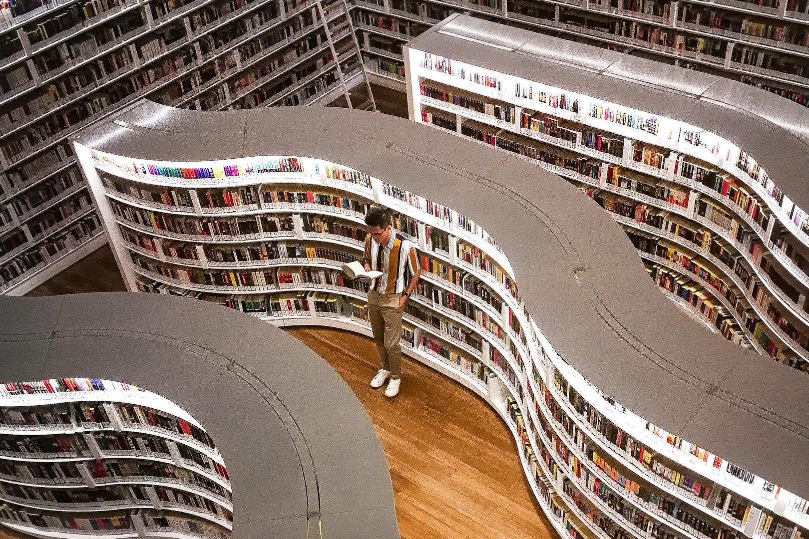 microngroup-bookshelf-led-lighting-strips