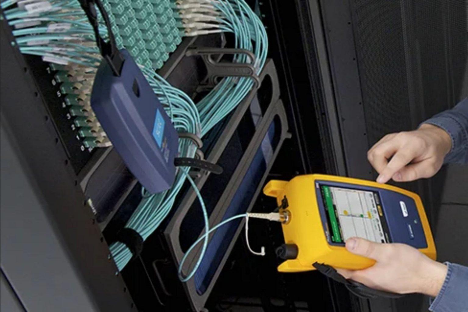 microngroup-fluke-dsx-versiv-data-tester-communications-panel-testing-fibre-optic