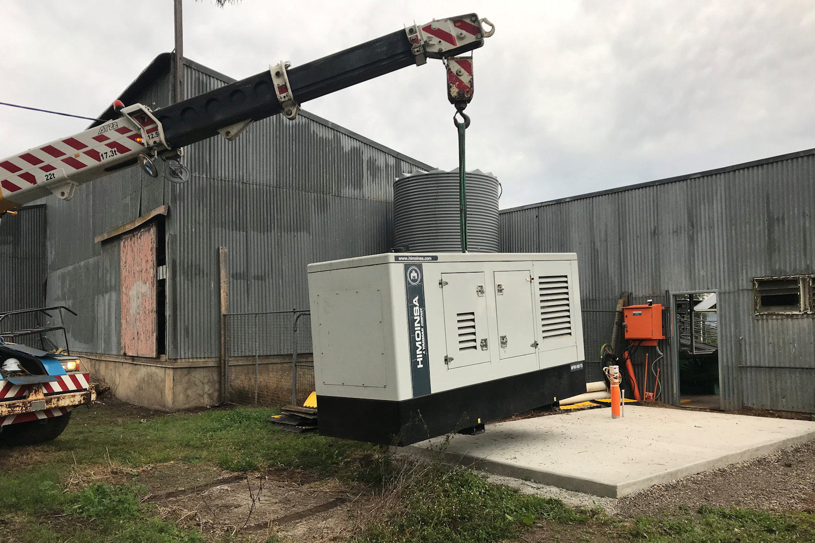 generator installation with crane