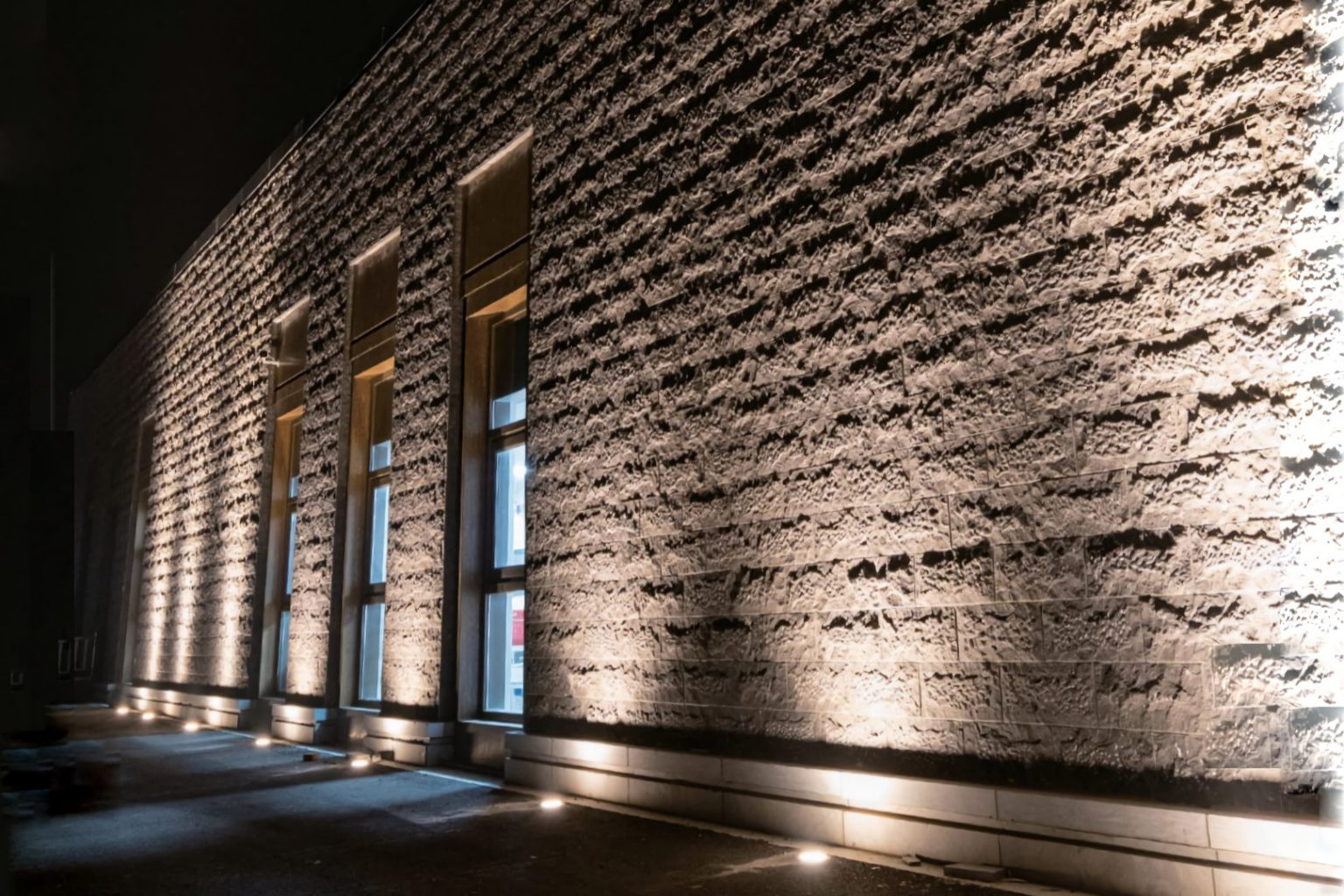 microngroup-outdoor-led-infloor-light-installation-to-stone-building