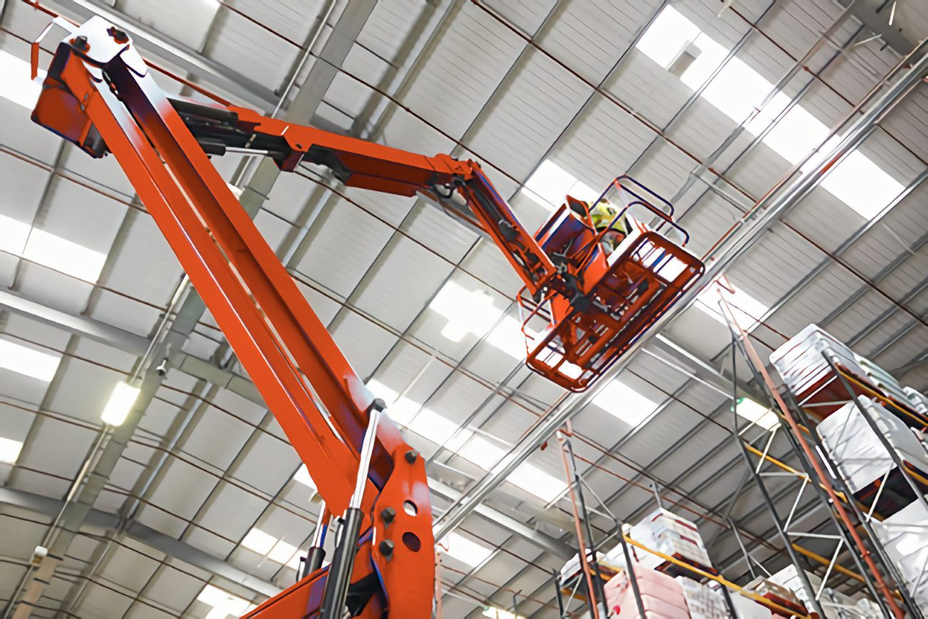 lighting maintenance with hoist