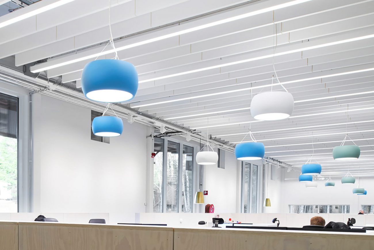 globe-replacement-in-office